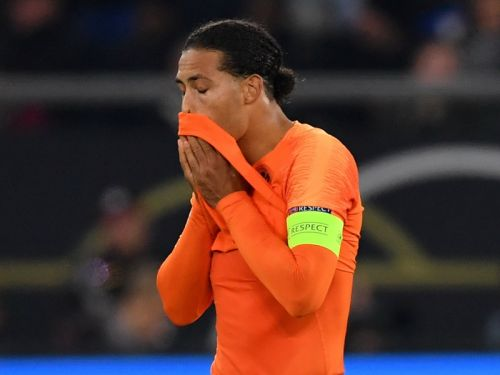 Van Dijk consoles crying Hategan in classy gesture after referee's recent loss of his mother