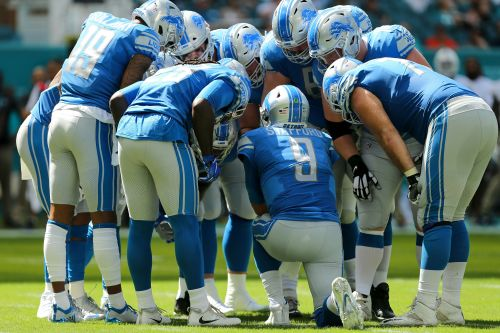 Detroit Lions midseason grades: A bunch of C's and one F