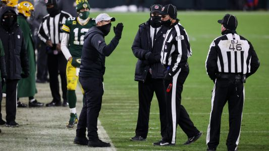 Packers hit with late DPI call vs. Buccaneers after officials let much go during first 58 minutes