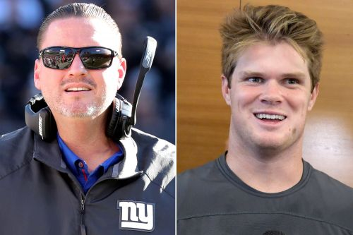 Ben McAdoo doesn't like the way Sam Darnold throws the football