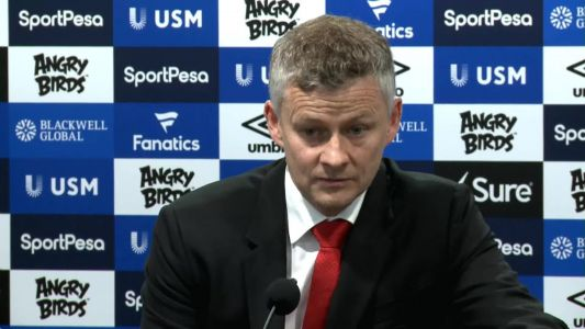 Solskjaer apologises to Man United fans after defeat to Everton