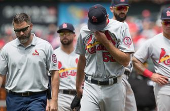 Cardinals lose series to Phils, Wacha to oblique injury