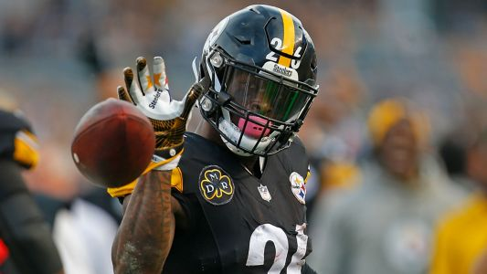 Making sense of Le'Veon Bell's options as deadline to report to Steelers nears