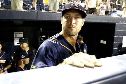 Not even Tim Tebow can go right for Mets