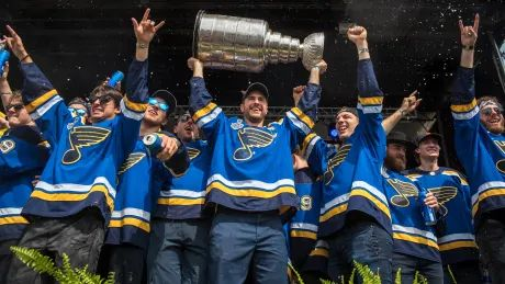 Blues fans shrug off rain to honour Stanley Cup champions