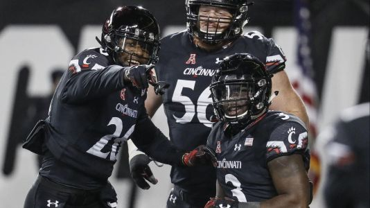 Cincinnati beats USF, surging Bearcats set for marquee showdown with No. 12 UCF