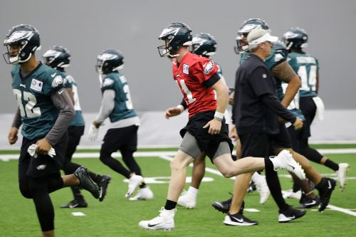 Eagles 2019 salaries: Carson Wentz isn't even in the top 5