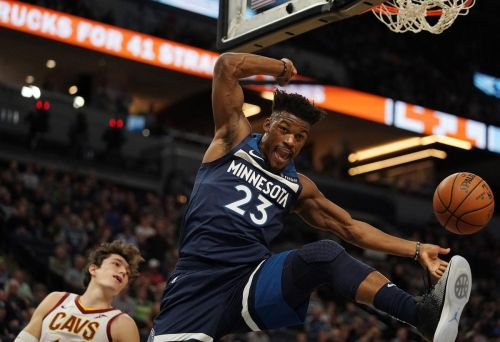 Butler hears boos, MVP chants; scores 33 in win