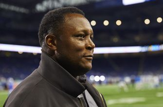 Hall of Fame RB Barry Sanders enjoying new role with Lions