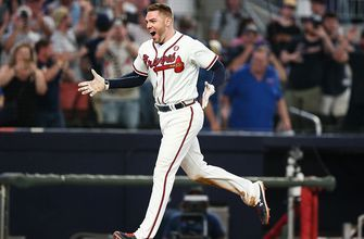 Freddie Freeman hits walk-off home run against the Brewers