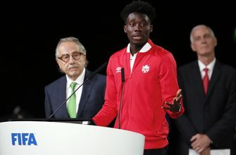 Starring role beckons for Alphonso Davies at Bayern Munich