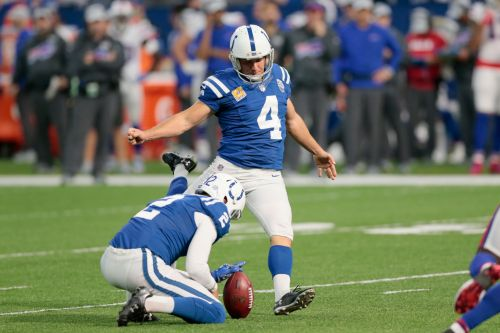Injury could put Vinatieri's record-breaking quest on hold