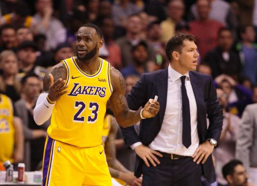 Opinion: Why Lakers may be worse with addition of LeBron James