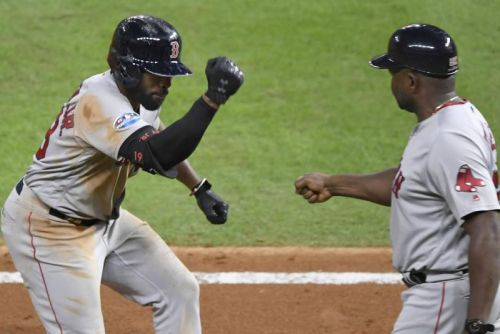 Watch: Jackie Bradley Jr. homer helps Red Sox beat Astros in Game 4