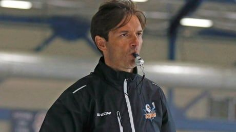 Dallas Eakins rediscovers groove behind bench after mistakes with Oilers
