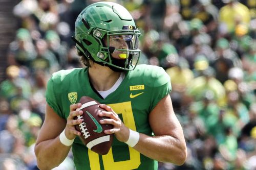Oregon will stun Stanford because it has a QB again