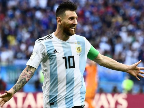 Only mental patients doubt Messi's talents, says Kempes