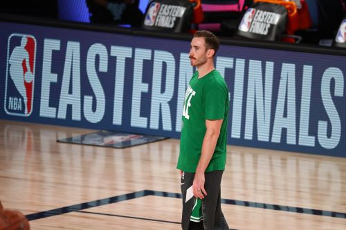 Celtics' Gordon Hayward remains in NBA bubble as wife, Robyn, gives birth to couple's first son