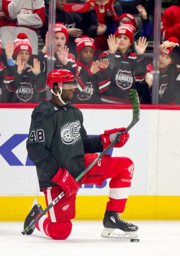 How NHL rookie Givani Smith used father's lessons to battle racism on road to NHL