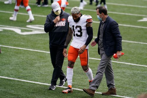 Browns WR Odell Beckham Jr. out for season with torn ACL