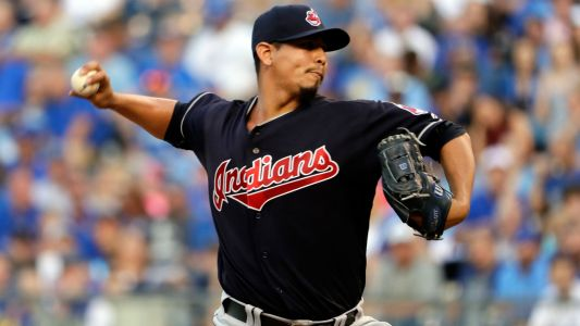 MLB hot stove: Indians extend pitcher Carlos Carrasco through 2022 season