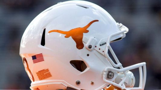 Texas draws interest in Vegas as 1st odds out