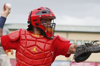 Cards tab Wieters to back up Molina at catcher