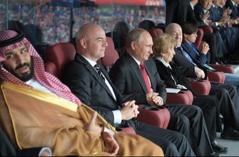 Column: Putin gets luck of the draw at World Cup opener