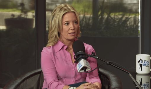 Jeanie Buss tacle les fans des Lakers anti-LeBron