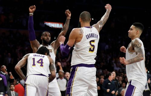 Veterans LeBron James, Tyson Chandler guiding young Lakers in recent surge