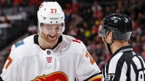 Flames make 5-player trade with Hurricanes