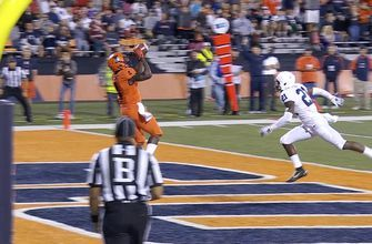 Illinois takes the lead on reverse flea flicker to Ricky Smalling