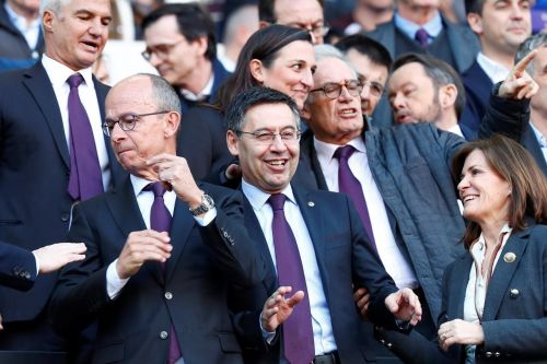 Barcelona delays censure vote against Bartomeu amid pandemic