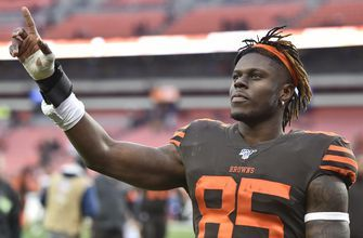 AP Source: Agent asks Browns to trade tight end David Njoku