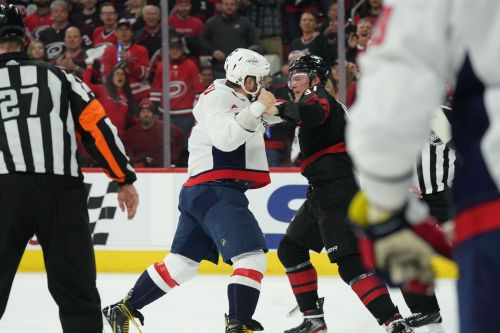 Early winners, losers from NHL playoffs: Just look to the bizarre, unexpected and odd happenings