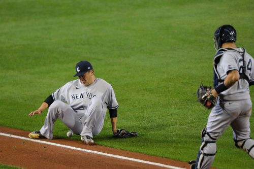Yankees' division hopes fade in ugly loss to Blue Jays