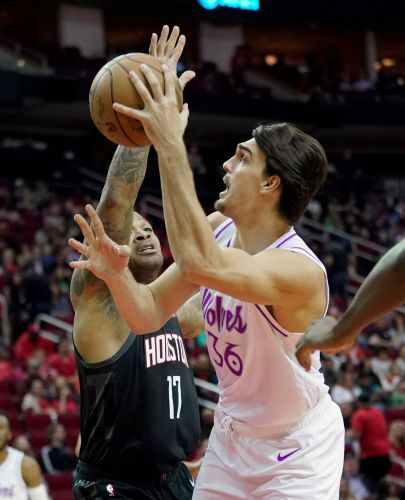 Paul scores 25 to lead Rockets over Wolves 117-102