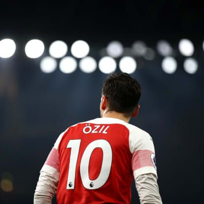 Young fan's passion tugs at Ozil's heartstrings