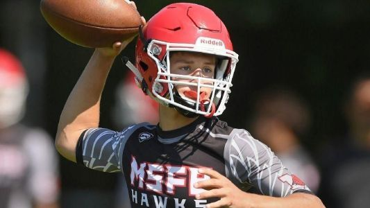 Football notes: Opponents know what to expect from Maine South's Bobby Inserra this season