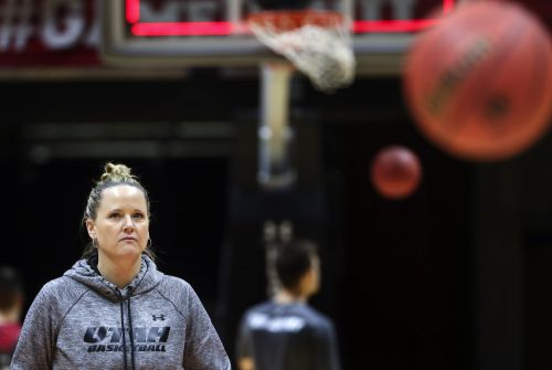 Utah women's hoops ranked for first time in more than decade; BYU receiving votes