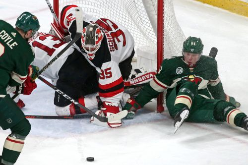 Cory Schneider wins first game in more than a year