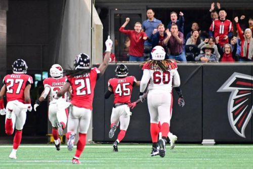Atlanta Falcons' defense dominates Arizona Cardinals