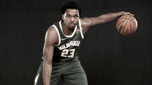 Bucks' Sterling Brown to sue Milwaukee PD over stun gun incident