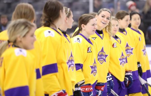 Women's professional hockey players hope single league will bring more competition