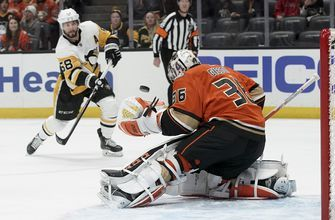 Gibson makes 28 saves as Anaheim defeats Pittsburgh 3-2