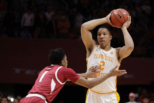 No. 3 Tennessee rips Arkansas 106-87 for 11th straight win