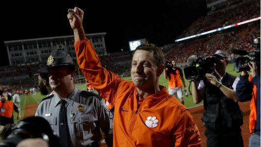 Clemson's Dabo Swinney dismisses possible coronavirus delay: U.S. will kick COVID-19 'in the teeth'