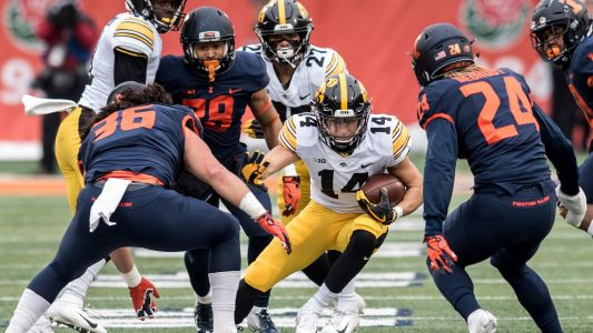 Hawkeyes discover pep in their step, and step all over Illinois