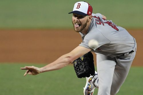 Chris Sale offers path of least resistance against Tigers