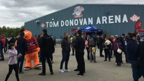 Struck by tragedy, small N.B. town to host Habs, Panthers in Hockeyville celebration